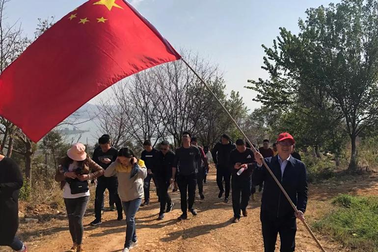 """""""關愛滇池、共建生態""""植樹造林大型活動"""